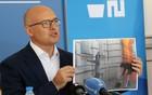 VUČEVIĆ: Gradsku kuću napadale bitange i mrzitelji Novog Sada (FOTO)
