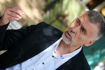 Ninus Nestorović, satiričar: Ako neko nije sposoban da vodi dijalog, onda treba da se povuče, a ne da vodi državu