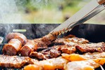 IZBOR NOVOSAĐANA: Evo gde se jede najbolje mešano meso u gradu (FOTO)