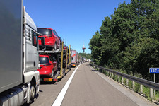 Na graničnom prelazu Batrovci čeka se preko sat vremena