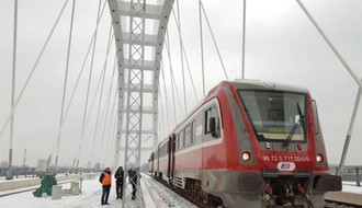 Prvi voz testirao prugu na novom Žeželjevom mostu (FOTO)