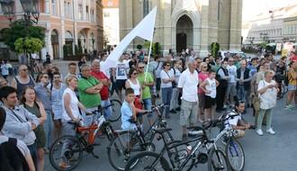"""TRG SLOBODE: Šta je poručeno sa protesta podrške štrajkačima """"Fijata"""", """"Goše""""... (FOTO)"""