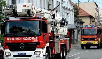 NOVI SAD: Požar u magacinu na Rumenačkom putu