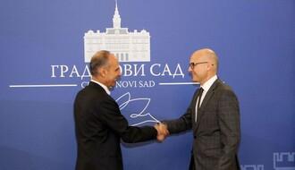 Ambasador Kipra posetio Novi Sad (FOTO)