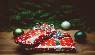 """Humanitarna akcija """"Deca deci na dar"""": Paketići za mališane"""