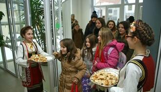 FOTO: Deca iz opštine Gračanica u poseti Novom Sadu