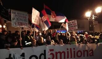 Nastavnici i saradnici Filozofskog fakulteta u Novom Sadu podržali proteste