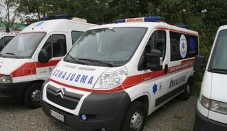 Burna noć u NS: Osmoro povređeno u tri udesa