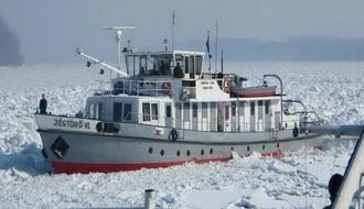 Dva najveća ledolomca stigla u Novi Sad