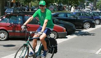 Biciklom po hranu, lekove i zarobljene muževe: Eko kuriri krstare novosadskim ulicama