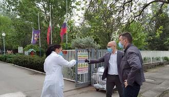 Zvaničnici posetili Gerontološki centar na Limanu i dom u Veterniku (FOTO)
