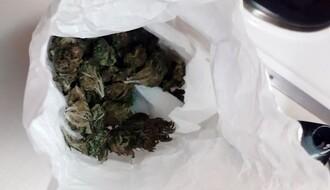Novosađanin uhapšen zbog više od 4 kilograma marihuane (FOTO)