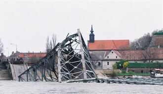 """19 godina od """"milosrdnog"""" NATO bombardovanja Novog Sada (FOTO)"""