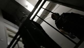 Stanari prijavili nepoznate mladiće zbog bakljade na krovu, svi imali dozvole za kretanje u toku policijskog časa