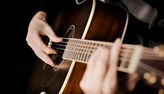 Besplatna radionica gitare u Omladinskom centru CK13