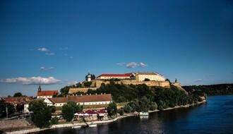 """Britanski """"Mirror"""" za vreme Exita istražio je ceo Novi Sad, a preporučio je..."""