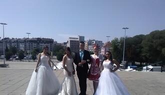 Svadbena magija na platou Spensa: Revija venčanica, muških odela (FOTO)