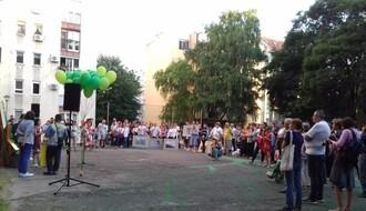 FOTO: Održan drugi skup građana zbog najavljene seče drveća u delu Starog grada