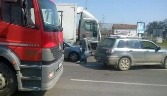 FOTO: Sudar i intervencija Hitne pomoći na Sentandrejskom putu