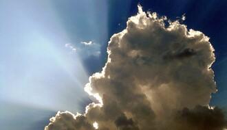 Vreme sutra: Oblačno sa slabom kišom, popodne razvedravanje