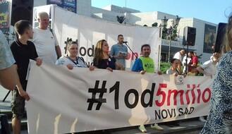"""FOTO: Održan prvi subotnji protest """"Jedan od pet miliona"""" u Novom Sadu"""
