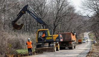 FOTO: Počeli završni radovi na rekonstrukciji Grebenskog puta