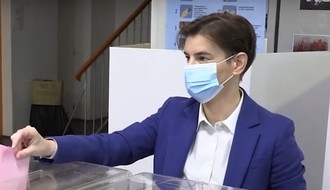 """BLIC"": Ana Brnabić ostaje premijerka"