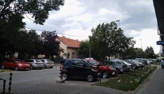 """MZ """"DETELINARA"""": Građani se žalili na nedostatak parking prostora, oštećene trotoare, pse lutalice..."""