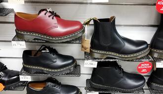 OBUĆA ZA JESENJE DOBA: Evo gde možete da kupite kvalitetne i (malo) manje kvalitetne cipele za kišu (FOTO)