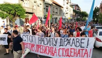 """FOTO: Održan protest """"Protiv prebijanja studenata"""" u Novom Sadu"""