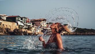 MALI SAVETI: Kako da zaštite kosu na moru