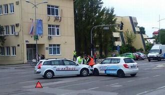 Sudarili se taksi i vozilo Doma zdravlja