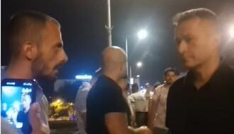 """Na Varadinskom mostu pokušali da okače transparent """"Vučić je diktator"""" (VIDEO)"""