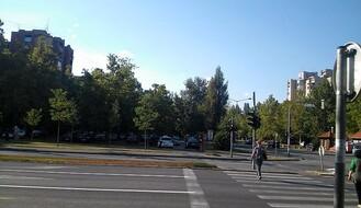 LIMAN 4: Automobil naleteo na biciklistkinju kod pešačkog prelaza