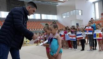PETROVARADIN: Počeo međunarodni turnir u ritmičkoj gimnastici