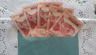 MALI: Svim penzionerima će 18. decembra biti isplaćeno 5.000 dinara