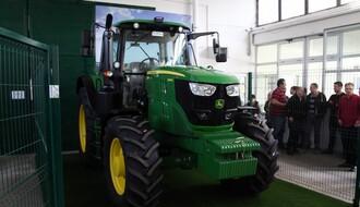 Novosadski Poljoprivredni fakultet dobio novi traktor