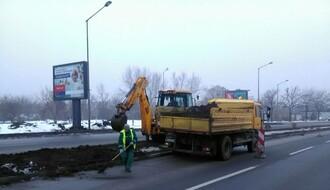 """FOTO: U toku radovi """"Gradskog zelenila"""" na Kaćkoj petlji"""