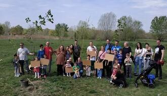 """U nedelju pokrenuta akcija """"Posadi drvo za naš zdrav grad"""" (FOTO I VIDEO)"""