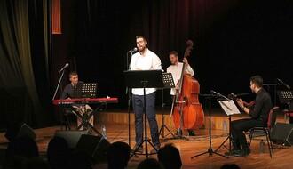 FOTO: Sevdahom i dalmatinskim pesmama prikupili 74.000 dinara za terapiju male Novosađanke