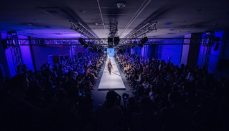 SFW: Visoka moda ponovo ostavila publiku bez daha (FOTO I VIDEO)