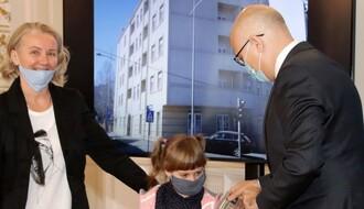 GRADSKA KUĆA: Uručeni ključevi stanarima zgrade u Kisačkoj 55 (FOTO)