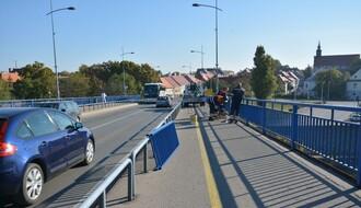 FOTO: Nakon naše objave i kontaktiranja nadležnih, sanira se ograda na Varadinskom mostu