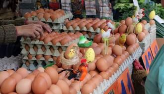 Riblja pijaca najpovoljnija: Jaja od šest do 15 dinara po komadu (FOTO)