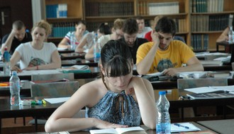 """Hard Work: Novosadski studenti u epizodi """"Junski ispitni rok"""""""