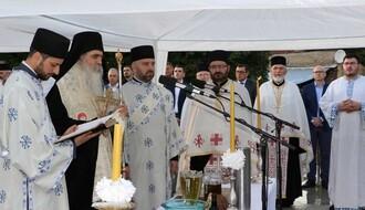 FOTO: Osveštani temelji pravoslavnog hrama na Grbavici