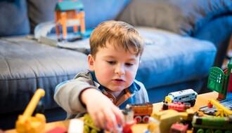 Razmatraće se mere po pitanju ostanka jednog od roditelja kod kuće zbog dece
