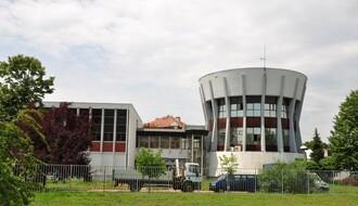Smeje im se cela Srbija, ali ne odustaju: JKP i sveta voda novosadska