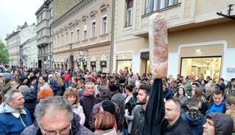 FOTO I VIDEO: Rale Milenković pozvao Novosađane da nastave šetnjama da iskazuju svoje nepristajanje