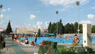 Na otvorenim bazenima na Spensu i Sajmištu uvedene smene za poslovne ljude